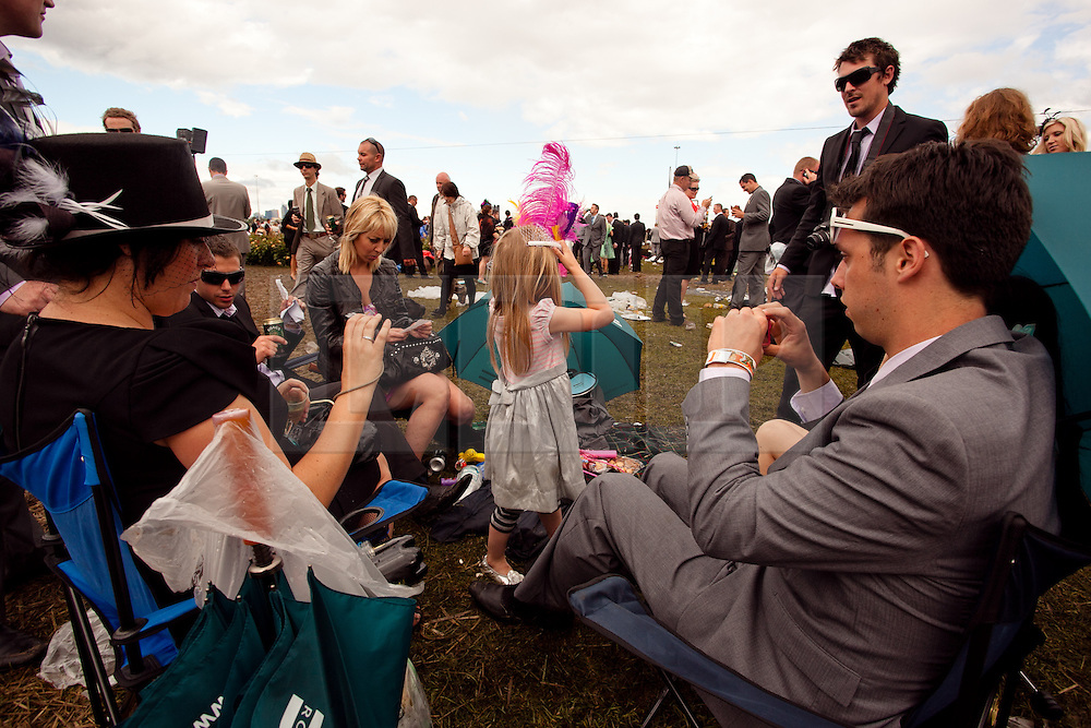 (c) under License to London News Pictures 02/11/2010. Family affair at the 2010 Melbourne Cup 2010.