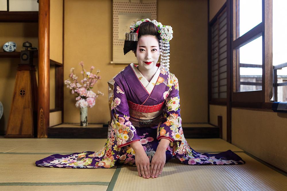 Maiko, trainee Geisha, Kyoto, Japan