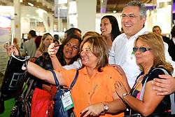 O ministro da Saúde, Alexandre Padilha durante visita a Hair Brasil 2013 - 12 ª Feira Internacional de Beleza, Cabelos e Estética, que acontece de 06 a 09 de abril no Expocenter Norte, em São Paulo. FOTO: Jefferson Bernardes/Preview.com