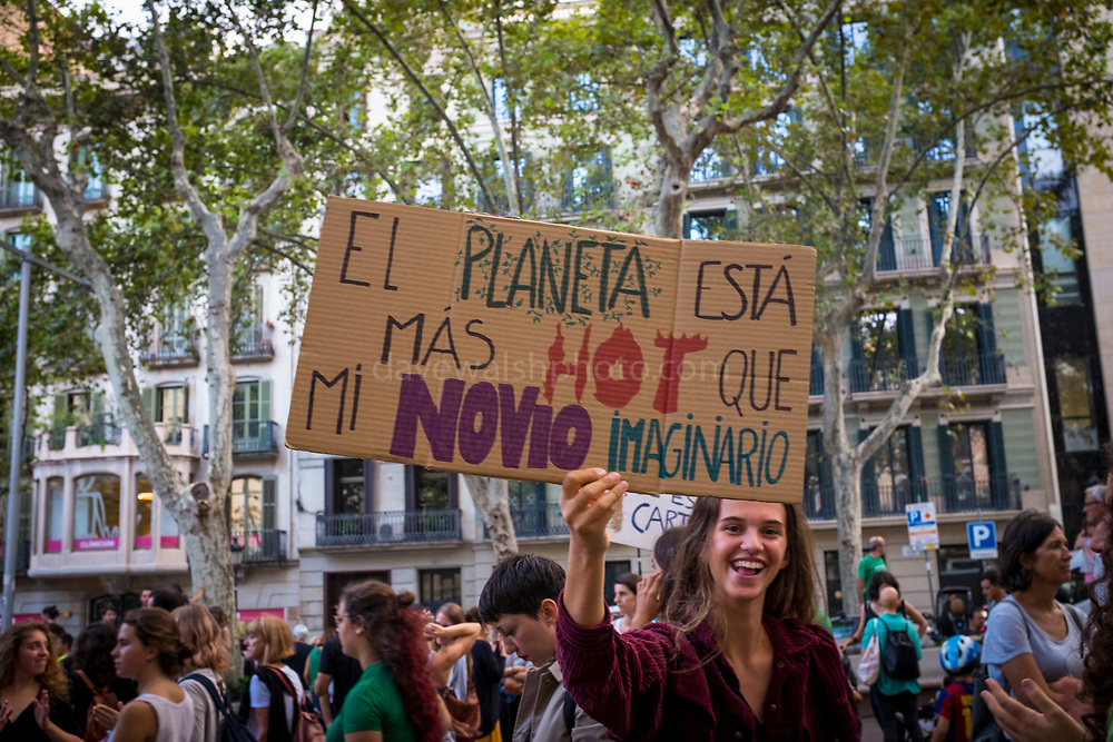 """El Planeta esta mas hot que mi novio imaginario. """"The planet is hotter than my imaginary boyfriend"""" Climate Strike, Fridays for the Future, September 28, 2019. 20,000 people took to the streets, joining more than 7 million worldwide calling for climate action.  At <br /> Jardins de Salvador Espriu<br /> , Gracia, and Diagonal, Barcelona"""