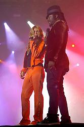 Fergie (E) e Will.I.Am durante o show da banda Black Eyed Peas, no auditorio da FIERGS, em Porto Alegre-RS. FOTO: Luiz A. Guerreiro/Preview.com