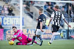 St Mirren's keeper Jamie Langfield and Falkirk's Craig Sibbald. <br /> Falkirk 3 v 0 St Mirren. Scottish Championship game played 21/10/2015 at The Falkirk Stadium.