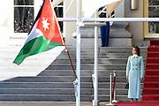 Officieel bezoek Jordanie aan Nederland - Dag 1<br /> <br /> Koning Abdullah II en koningin Rania worden tijdens de welkomstceremonie vergezeld door koning Willem-Alexander en koningin Maxima op Paleis Noordeinde.<br /> <br /> Official visit Jordan to the Netherlands - Day 1<br /> <br /> King Abdullah II and Queen Rania are accompanied during the welcome ceremony by King Willem-Alexander and Queen Maxima at Noordeinde Palace.<br /> <br /> Op de foto / On the photo: K koningin Rania / Queen Rania