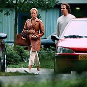 Marco Borsato en zwangere Leontine Ruiters verlaten bij ziekenhuis Gooi- Noord
