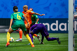 15-06-2019 FRA: Netherlands - Cameroon, Valenciennes<br /> FIFA Women's World Cup France group E match between Netherlands and Cameroon at Stade du Hainaut / Estelle Johnson #6 of Cameroon, Shanice van de Sanden #7 of the Netherlands, Annette Ngo Ndom #1 of Cameroon