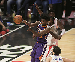 December 20, 2017 - Los Angeles, California, U.S - Josh Jackson #20 of the Phoenix Suns  passes the ball during their NBA game with the Los Angeles Clippers  on Wednesday December 20, 2017 at the Staples Center in Los Angeles, California. Clippers vs Suns. (Credit Image: © Prensa Internacional via ZUMA Wire)