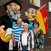 NLD/Huizen/20110712 - 50 jarig huwelijk echtpaar Heijnen-Boor te Huizen