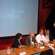 NLD/Aalsmeer/20070601 - Uitzending van de BNN grote  Donorschow, persconferentie, nierpatiente Esther Claire, Laurens Drillich, Paul Römer en Patrick Lodiers