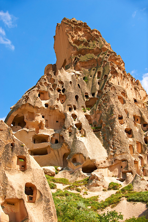 Troglodyte cave houses in tuff volcanic rock, Cappadocia at Uchisar, Anatolia, Turkey .<br /> <br /> If you prefer to buy from our ALAMY PHOTO LIBRARY  Collection visit : https://www.alamy.com/portfolio/paul-williams-funkystock/cappadociaturkey.html (TIP refine search - type which part of Cappadocia into the LOWER search box)<br /> <br /> Visit our TURKEY PHOTO COLLECTIONS for more photos to download or buy as wall art prints https://funkystock.photoshelter.com/gallery-collection/3f-Pictures-of-Turkey-Turkey-Photos-Images-Fotos/C0000U.hJWkZxAbg