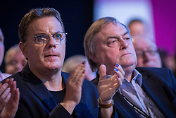 © Licensed to London News Pictures . 24/09/2013 . Brighton , UK . Eddie Izzard and John Prescott as Ed Miliband delivers the Leader's Speech to the Labour Party conference , this afternoon (24th September 2013) . Day 3 of the Labour Party Conference in Brighton . Photo credit : Joel Goodman/LNP