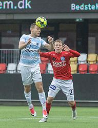 Anders Holst (FC Helsingør) og Anders Klynge (Silkeborg IF) under kampen i 1. Division mellem Silkeborg IF og FC Helsingør den 21. november 2020 i JYSK Park (Foto: Claus Birch).