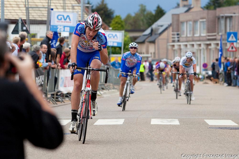 364090-wielrennen elite zonder contract en beloften-molenberg Meerhout- 1 Tom David, 2 Roy Jans, 3 Stijn Ennekens