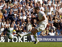 Photo: Olly Greenwood.<br />Tottenham Hotspur v Arsenal. The FA Barclays Premiership. 15/09/2007. Spurs Robbie Keane misses a chance to score