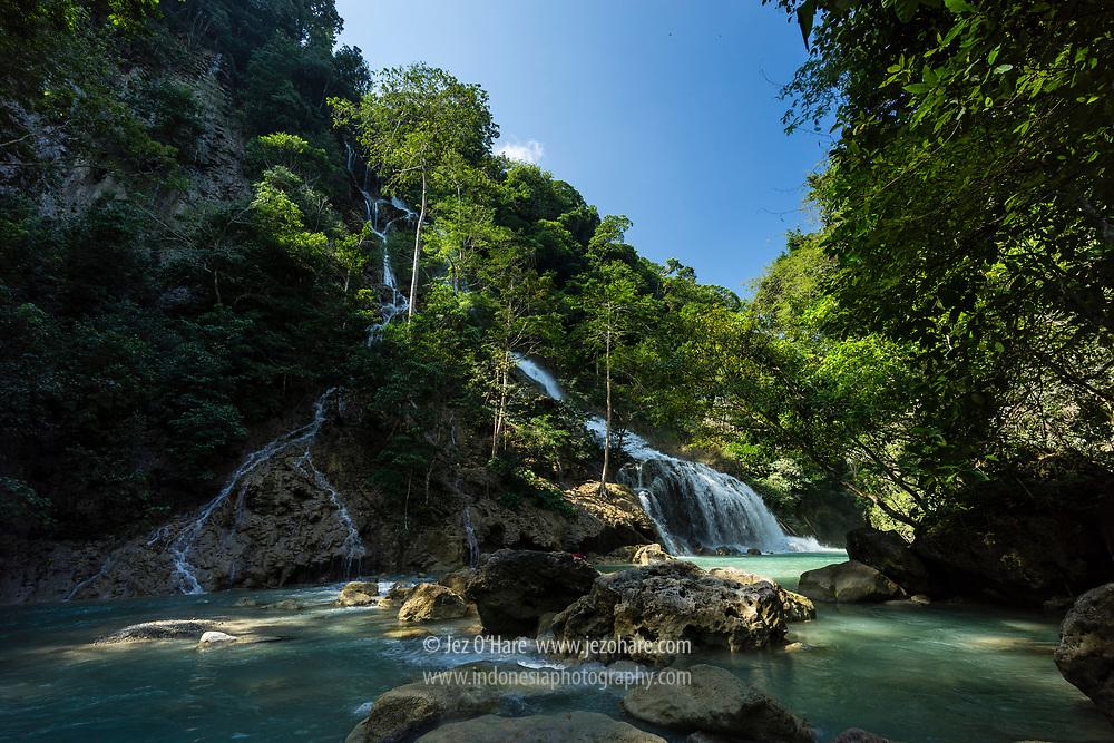 Air Terjun Lapopu, Taman Nasional Manupeu-Tanah Daru, Sumba Barat, Nusa Tenggara Timur, Indonesia