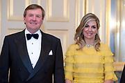 Officieel bezoek Jordanie aan Nederland - Dag 1<br /> <br /> Officiele foto voorafgaand aan het staatsdiner <br /> <br /> Official visit Jordan to the Netherlands - Day 1<br /> <br /> Official photo prior to the state dinner<br /> <br /> Op de foto / On the photo: <br /> <br />  Koning Willem-Alexander, koningin Maxima /// King Willem-Alexander, Queen Maxima