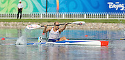 Shunyi, CHINA. Great Britain's, Tim BRABANTS, paddles home, winning his first race and progressing through to Fri's final, of the Men's Kayak single [K1] 1000m,  at the 2008 Olympic Canoe/Flatwater Racing, Shunyi Rowing-Canoeing Course.  Mon 18.08.2008.  [Mandatory Credit: Peter SPURRIER, Intersport Images]