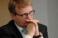 09 JAN 2007, BERLIN/GERMANY:<br /> Ronald Pofalla, CDU Generalsekretaer, waehrend einem Interview, in seinem Buero, CDU Bundesgeschaeftsstelle<br /> IMAGE: 20070109-01-014