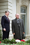 Soviet leader Mikhail Gorbachev and US President Ronald Reagan at the Geneva Summit 1985