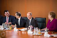 DEU, Deutschland, Germany, Berlin, 21.03.2018: Bundesfinanzminister Olaf Scholz (SPD) und Bundeskanzlerin Dr. Angela Merkel (CDU) vor Beginn der 2. Kabinettsitzung im Bundeskanzleramt.