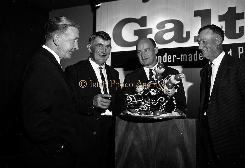 18/07/1967<br /> 07/18/1967<br /> 18 July 1967<br /> Galtee Food Products reception at the Intercontinental Hotel, Dublin. At the reception to launch the new range of 'tender-made' products produced at a new plant in Mitchelstown were (l-r): Mr. Patrick Donovan, T.C., Cork; Mr. Tom O'Brian, Director of Mitchelstown Co-operative Agricultural Society; Mr. M.E. Cussen, General Manager, Galtee 'tender-made' Food Products and Mr. Denis Murphy, Vice Chairman, Micthelstown Co-operative Agricultural Society, with a highly decorated pigs head!