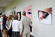 De succesvolle expositie 'Beeld van Beatrix' is vanaf 12 juli 2013 te zien bij Paleis Soestdijk. De 68 bijzondere werken waren voorheen bij Paleis Het Loo tentoongesteld ter gelegenheid van de 75ste verjaardag van koningin Beatrix<br /> <br /> The successful exhibition 'Image of Beatrix' is from July 12, 2013 on display at the Royal Palace Soestdijk The 68 special works were previously exhibited at  Palace Het Loo on the occasion of the 75th birthday of Queen Beatrix<br /> <br /> Op de foto / On the photo:  Expositie / Exibition