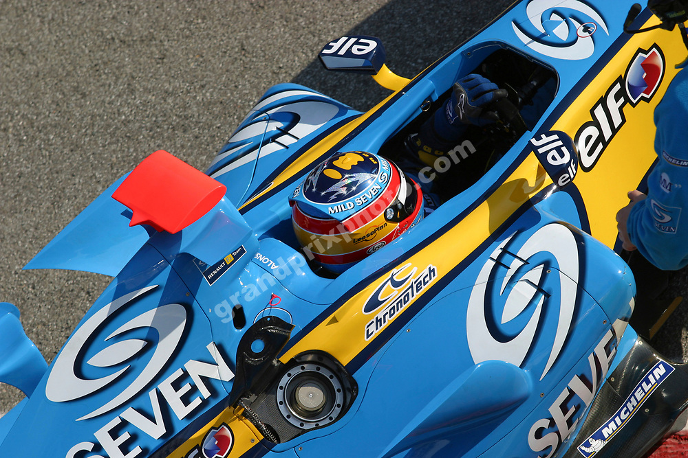 Fernando Alonaso (Renault) seen from above during 2006 pre-season testing at the Circuit de Catalunya outside Barcelona (Spain). Photo: Grand Prix Photo