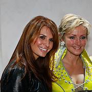 NLD/Amsterdam/20100114 - Uitreiking Twitteraar van het jaar 2009 prijs, Lone van Roosendaal en Leontien Borsato