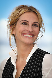 Julia Roberts attend the 'Money Monster' photocall during the 69th annual Cannes Film Festival at the Palais des Festivals on May 12, 2016 in Cannes, France.  Photo by Shootpix/ABACAPRESS.COM  | 546403_002 Cannes France