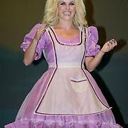 NLD/Den Haag/20110731 - Premiere musical Alice in Wonderland met K3, Josje Huisman