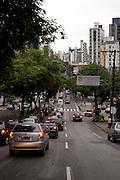 Belo Horizonte_MG, Brasil...Avenida do Contorno no Bairro Funcionarios em Belo Horizonte, Minas Gerais...Contorno avenue in Funcionarios neighborhood in Belo Horizonte, Minas Gerais...Foto: VICTOR SCHWANER / NITRO
