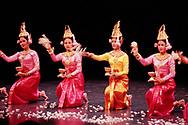Ballet Royal du Cambodge, Brétigny-sur-Orge, 1999