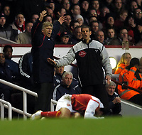 Arsene Wenger Manager Arsenal is angry after the Tackle on Reyes from Lee Bowyer Newcastle United<br /> Arsenal v Newcastle United 23/01/05<br /> The Premier League<br /> Photo Robin Parker Digitalsport