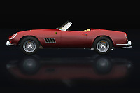 Do you already see yourself driving around in this 1960 Ferrari 250 GT Spyder California along winding roads in a vast landscape or strolling with this Ferrari 250 GT Spyder California on boulevards? -<br />