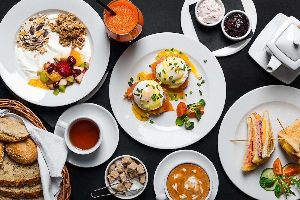 śniadanie w cafe Stare Miasto w Krakowie
