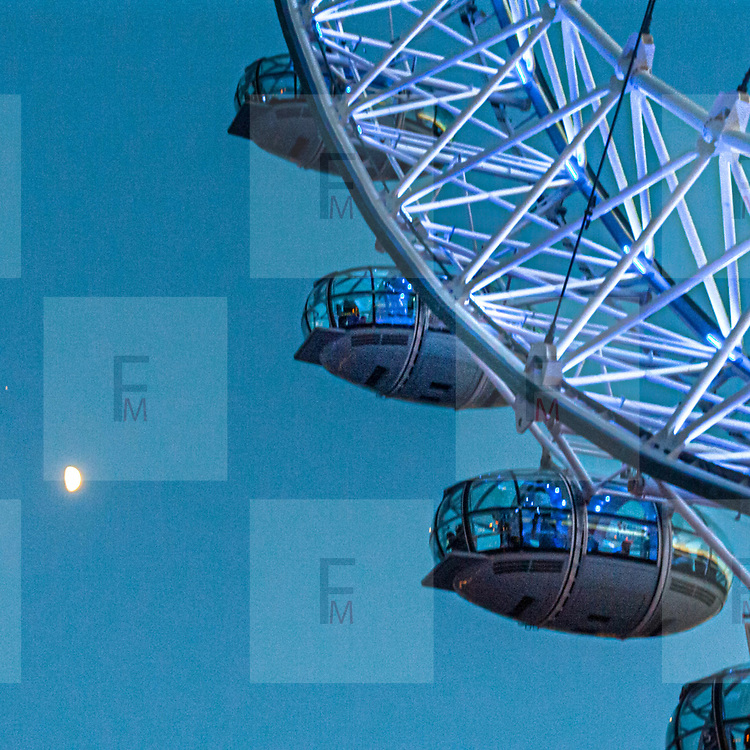 La ruota panoramica London Eye conosciuta anche come Millennium Wheel.<br /> <br /> The ferris wheel London Eye, also known as the Millennium Wheel.<br /> <br /> #350d #photooftheday #picoftheday #bestoftheday #instadaily #instagood #follow #followme #nofilter #everydayuk #canon #buenavistaphoto #photojournalism #flaviogilardoni <br /> <br /> #london #uk #greaterlondon #londoncity #centrallondon #cityoflondon #londonuk #visitlondon #LondonEye<br /> <br /> #photo #photography #photooftheday #photos #photographer #photograph #photoofday #streetphoto #photonews #amazingphoto #dailyphoto #goodphoto #myphoto #photoftheday #photogalleries #photojournalist #photolibrary #photoreportage #pressphoto #stockphoto #todaysphoto #urbanphoto