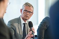 """27 JUN 2017, BERLIN/GERMANY:<br /> Juergen Fenske, Praesident Verband Deutscher Verkehrsunternehmen, 25. bbh-Energiekonferenz """"Letzte Ausfahrt Dekarbonisierungf Energie- und Mobilitätswende"""", Französischer Dom<br /> IMAGE: 20170627-01-139<br /> KEYWORDS: Jürgen Fenske"""