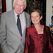 NLD/Amsterdam/20120823 - Premiere King Lear, ex premiere Wim Kok en partner Rita Roukema