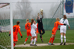 19-11-2011 VOETBAL: EK 2013 KWALIFICATIE VROUWEN: SLOVENIE - NEDERLAND: IVANCNA GORICA<br /> Lots Geurts of Netherlands during football match between Women national teams of Slovenia and Netherlands in 4th Round of EURO 2013 Qualifications<br /> ©2011-FotoHoogendoorn.nl/Vid Ponikvar