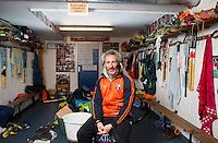 BLOEMENDAAL - hockey - Bloemendaal coach Russell Garcia in de kleedkamer van Heren 1 van Bloemendaal. Copyright KOEN SUYK.