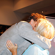 NLD/Amsterdam/20120610 -Uitreiking Johan Kaartprijs 2012, Jochem Meijer omhelst Tineke Schouten