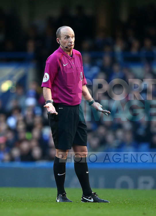 Referee Mike Dean during the Premier League match at Stamford Bridge Stadium, London. Picture date December 11th, 2016 Pic David Klein/Sportimage