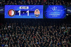 17-10-2017 NED, UEFA CL, Feyenoord - FC Shakhtar Donetsk, Rotterdam<br /> UEFA Champions League Round of 16, 3rd Leg match between Feyenoord vs. Donetsk at the stadion DE Kuip in Rotterdam / Scorebord geeft de 1-1 aan