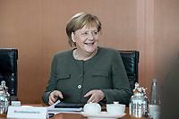 31 OCT 2018, BERLIN/GERMANY:<br /> Angela Merkel , CDU, Bunneskanzlerin, vor Beginn der Kabinettsitzung, Bundeskanzleramt<br /> IMAGE: 20181031-01-028<br /> KEYWORDS: Kabinett, Sitzung, freundlich