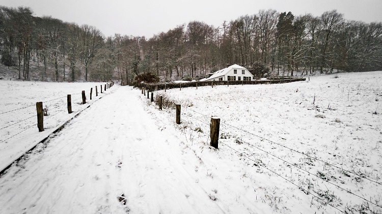 Nederland, Ubbergen bij Nijmegen, 22-1-2019 De eerste sneeuw van deze winter is gevallen. Bij de Elysese velden, onderdeel van het Gelders Landschap .Foto: Flip Franssen