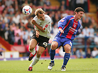 Fotball<br /> Foto: SBI/Digitalsport<br /> NORWAY ONLY<br /> <br /> Crystal Palace v Luton Town<br /> <br /> The Coca-Cola Football League Championship. Selhurst Park.<br /> 06/08/05<br /> <br /> Crystal Palace Jon Macken makes his debut against Luton's Markus Heikkinen