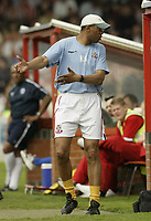 Photo: Aidan Ellis.<br /> Lincoln City v Rochdale. Coca Cola League 2. 06/05/2006.<br /> Lincoln manager Keith Alexander gives out instructions