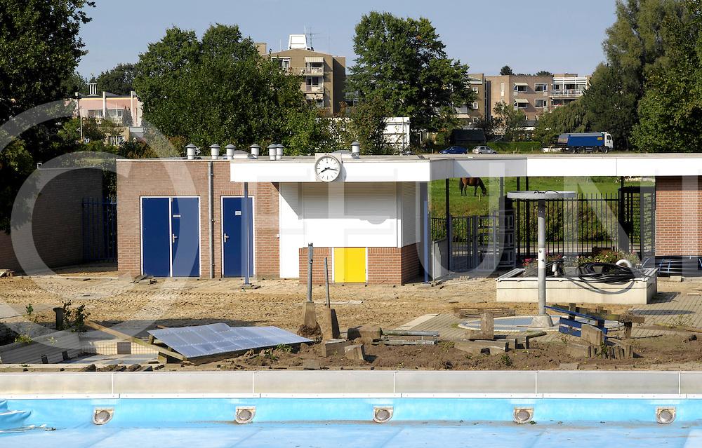 090916 ommen ned.Start sloop van openluchtzwembad De Olde Vechte. Vandaag werden de eerste handelingen verricht naar een nieuw zwembad..ffu press agency©2009Michiel van de Velde..