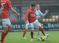 Mark Brink (Silkeborg IF) presses af Jonas Henriksen (FC Helsingør) under kampen i 1. Division mellem Silkeborg IF og FC Helsingør den 21. november 2020 i JYSK Park (Foto: Claus Birch).