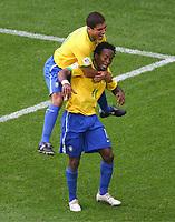 Jubel zum 3:0 fuer Brasilien durch Ze Roberto, Ricardinho<br /> <br /> Fussball WM 2006 Achtelfinale Brasilien - Ghana<br /> Brasil - Ghana<br /> Norway only
