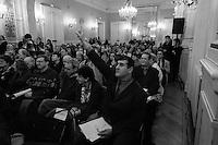 Bertrand  Delanoë (maire de Paris de 2001 à 2014) - avec Michel Charzat - donne un compte-rendu de son mandat, Paris 20ème / 2004.